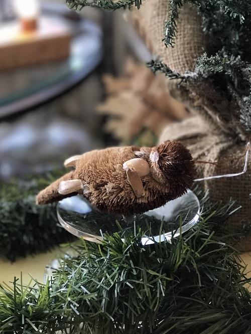Otter Brush Animal Ornament-otter, brush animal