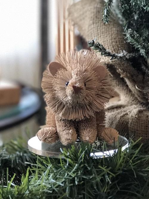 Lion Brush Animal Ornament-lion, brush animal