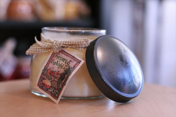 A Cheerful Giver Creamy Vanilla Mama Jar Candle-vanilla candle, a cheerful giver, jar candle, Jacksonville candles