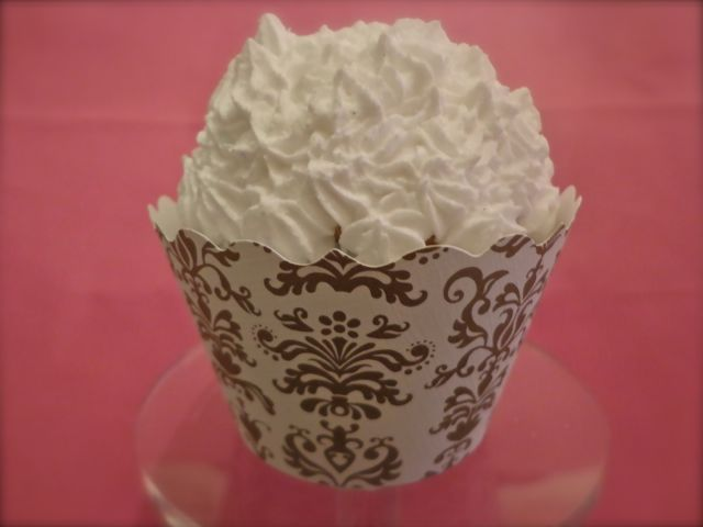 Cupcake Wrapper, gold and white-cupcakes, desserts, cupcake wrappers, parties, showers